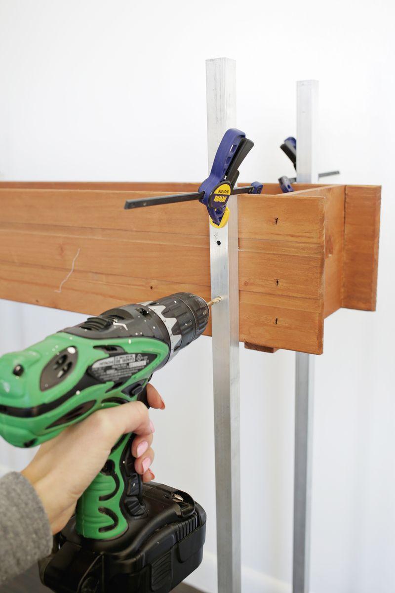 Skinny Planter Stand DIY (click through for tutorial)