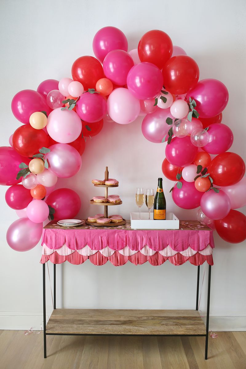 How to make a fancy balloon arch via A Beautiful Mess