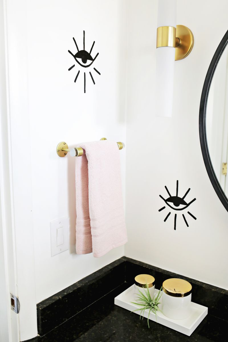 Lucite Hand Towel Holder DIY (click through for tutorial)