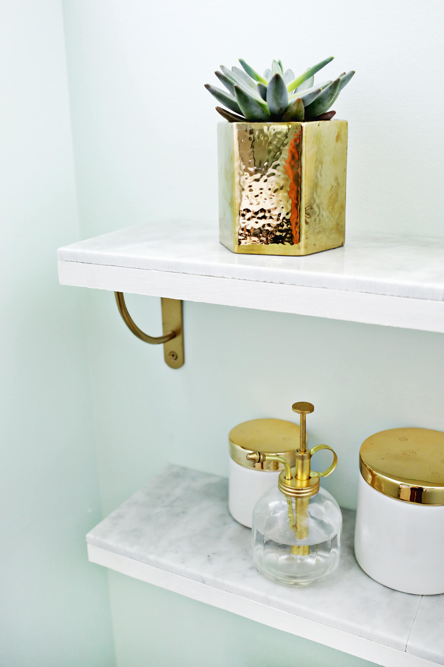 Marble Shelving DIY—Love this! (click through for tutorial)