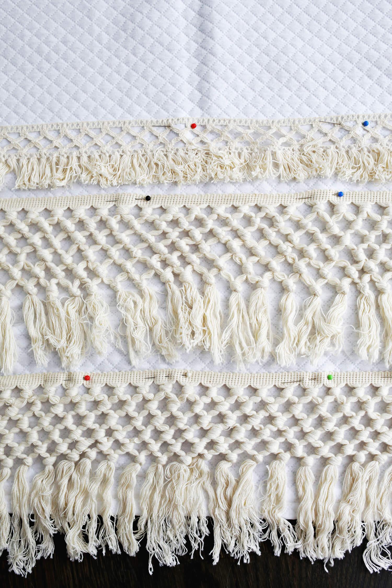 Macrame Shower Curtain DIY (click through for tutorial)