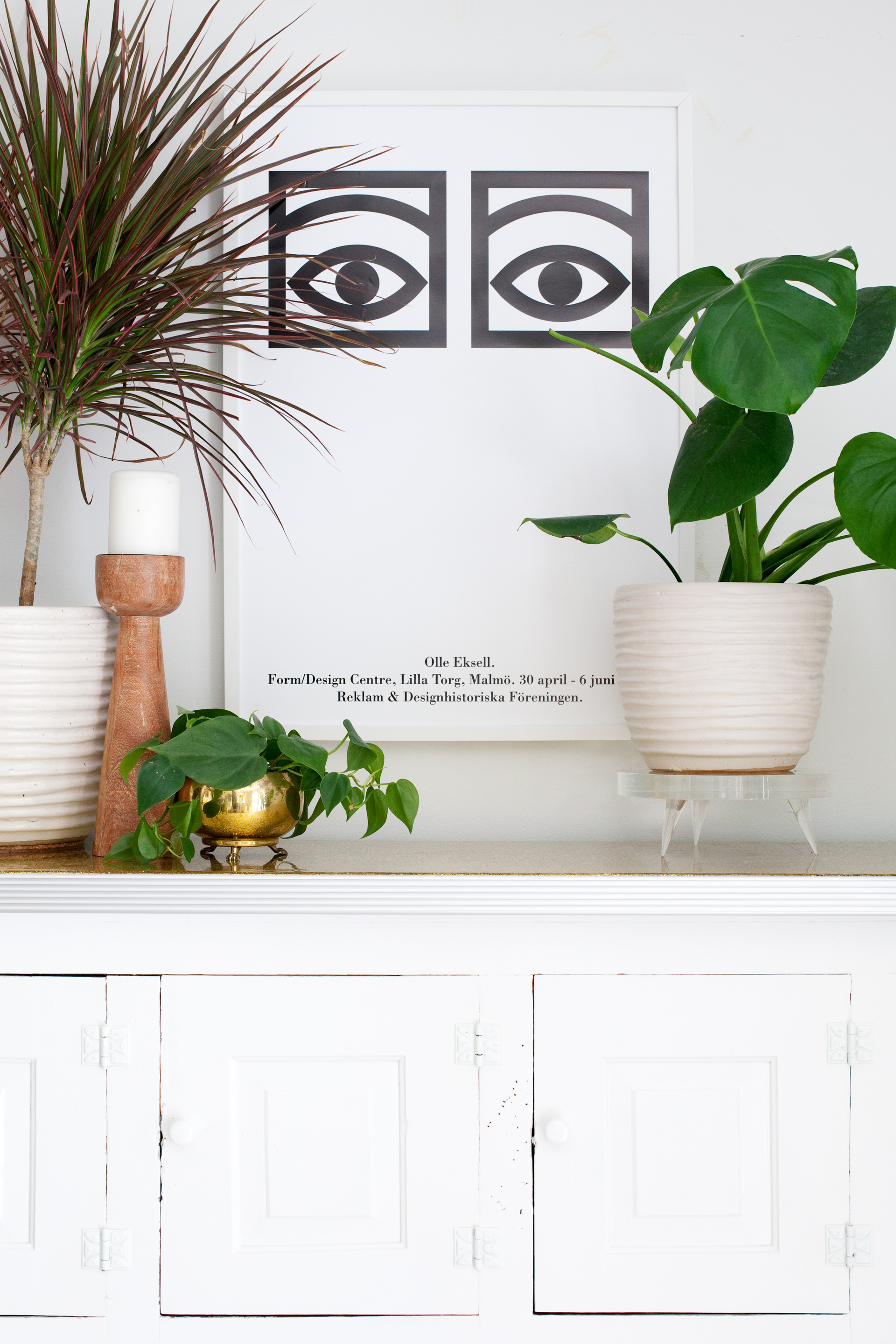DIY Lucite Plant Stand with Tapered Legs