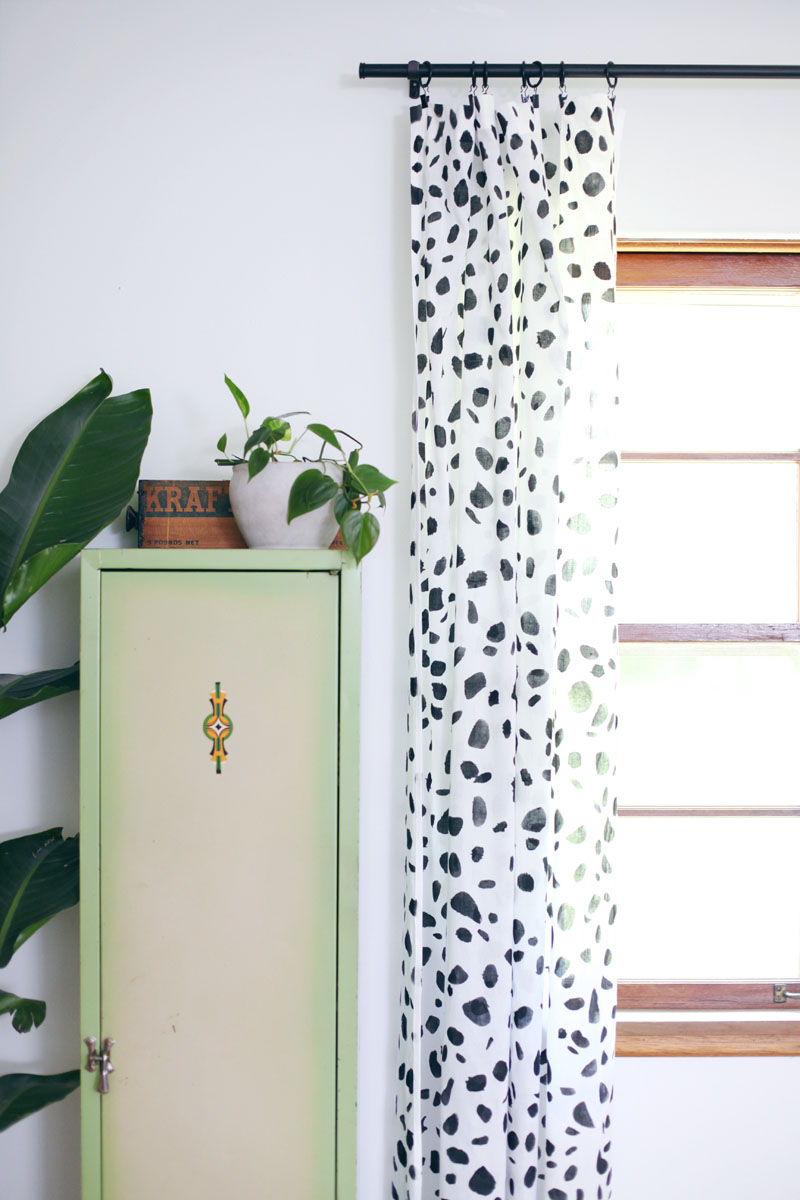 Make your own spotted curtains!