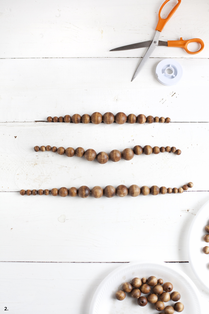 Make this chunky wooden bead statement necklace