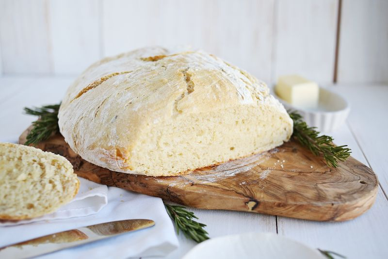 How to bake dutch oven bread via Spiegeling