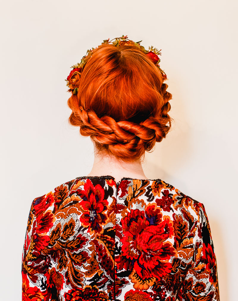 Perfect holiday party updo (click through for tutorial)