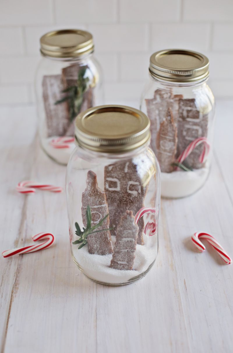 Fun ways to decorate with gingerbread cookies