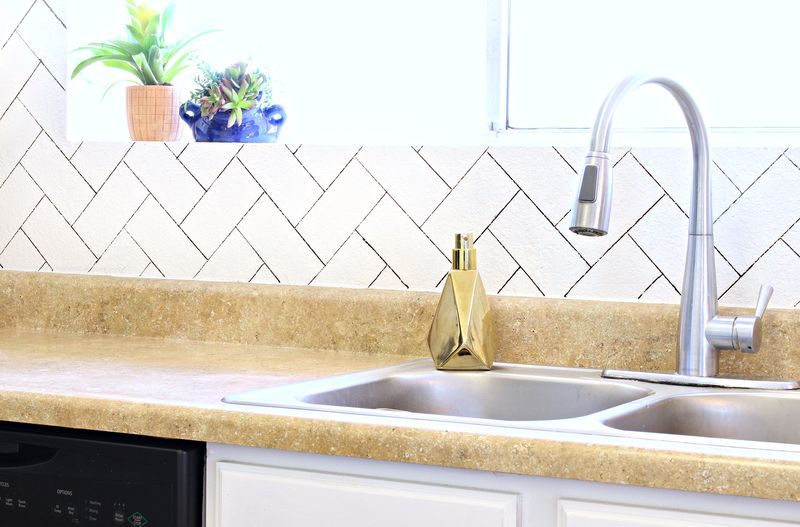 DIY Herringbone Faux Backsplash - Click for tutorial!
