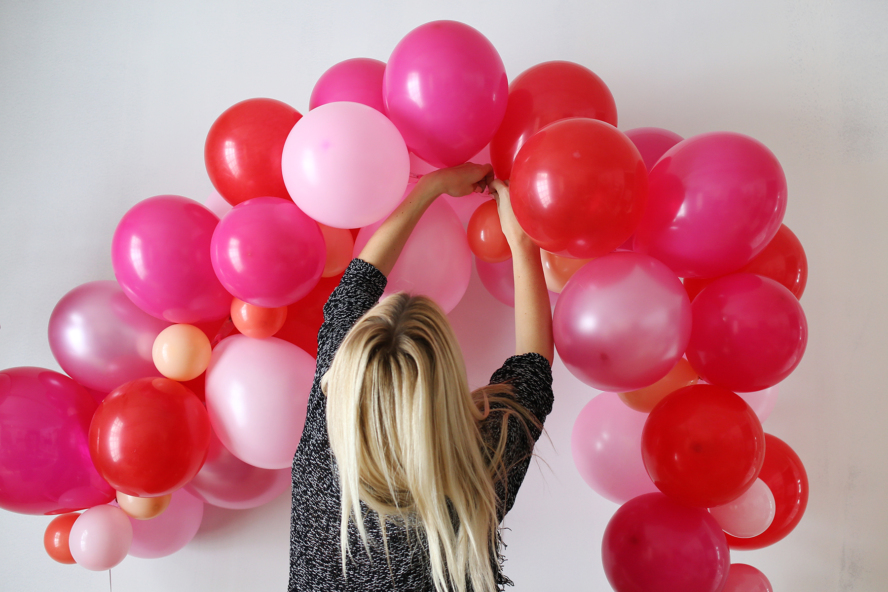 How To Make A Fancy Balloon Arch A Beautiful Mess