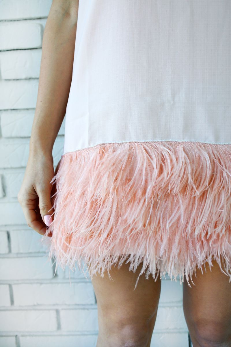 Love this dress! Feather Blocked Dress DIY (click through for tutorial)