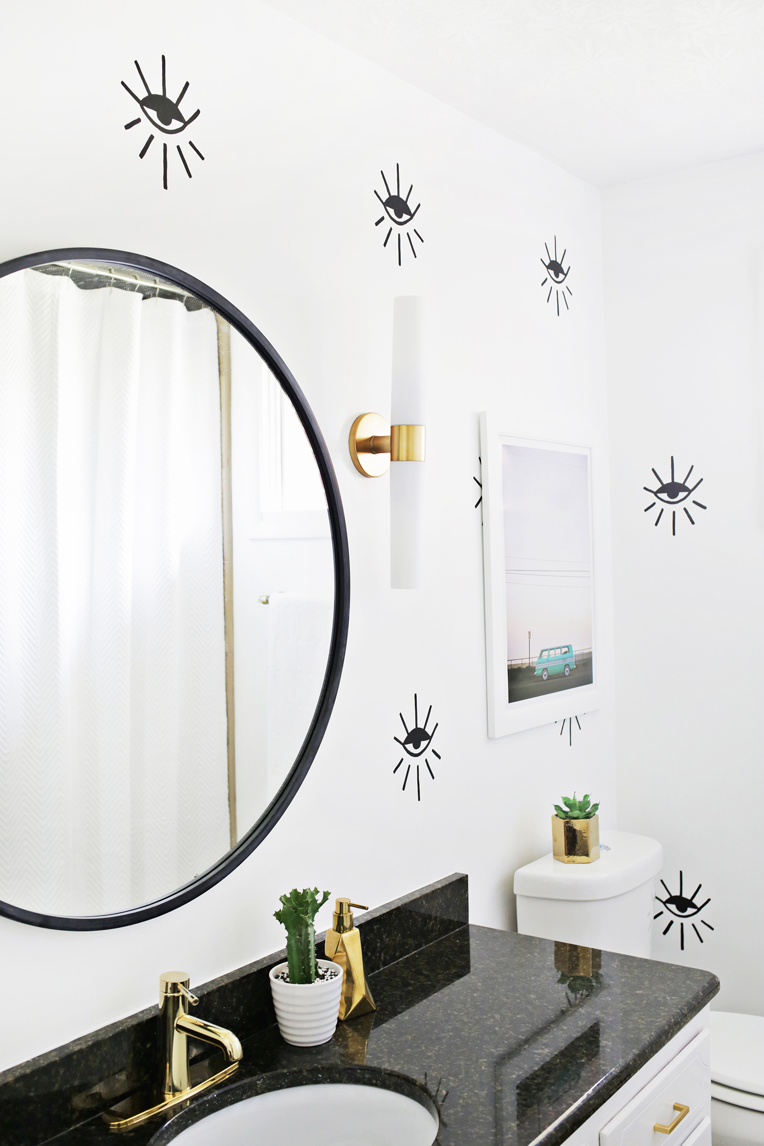 Love this eye pattern statement wall! (click through for tutorial)