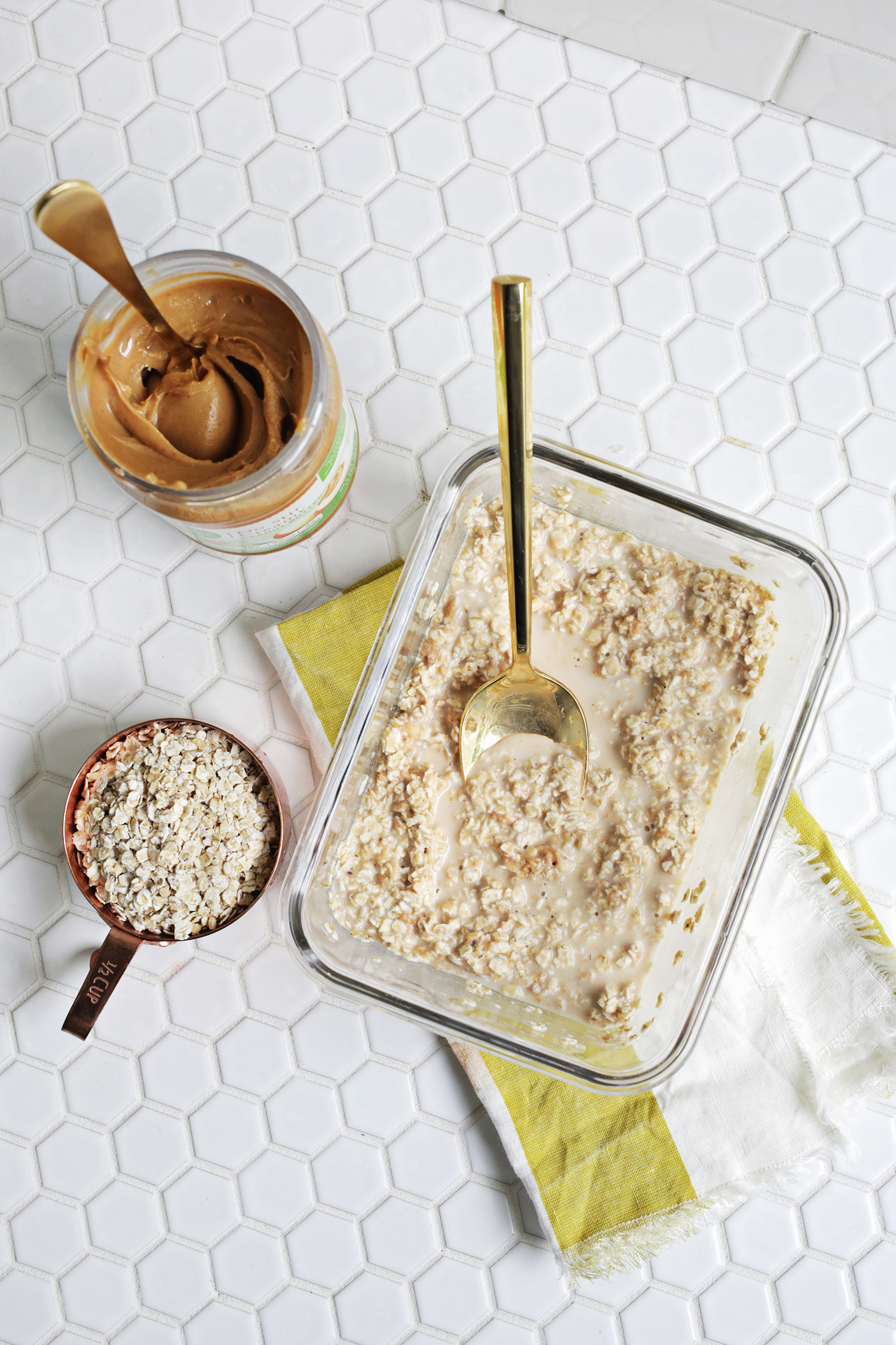 Elvis Overnight Oats (Peanut Butter + Banana!) Click through for recipe