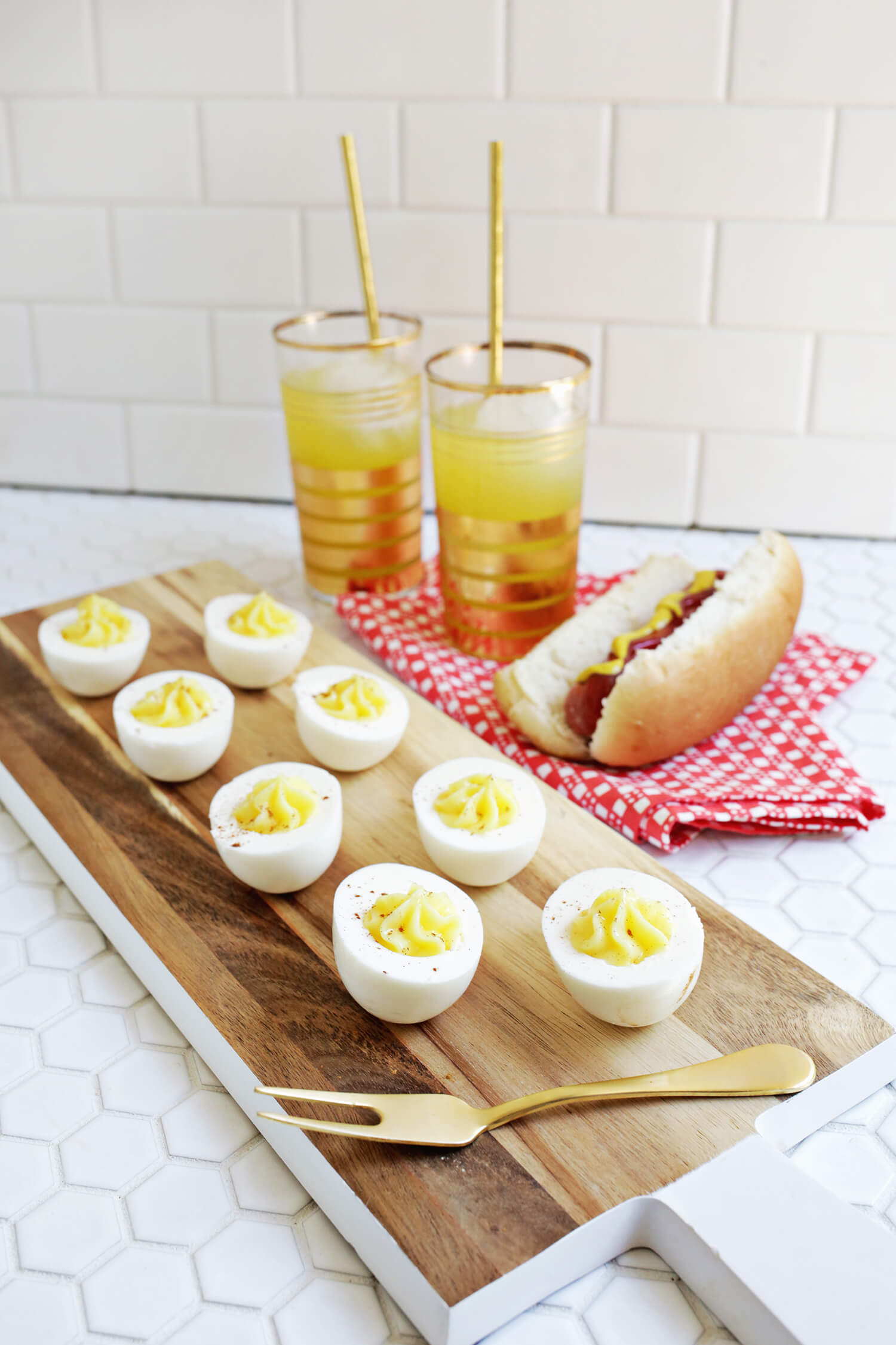 Perfect for summer!! Deviled Egg Jello Shots (click through for tutorial)