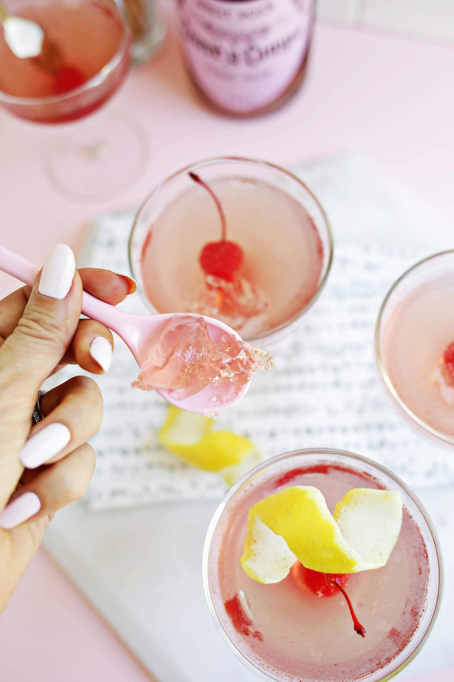 Rosé All Day Jello Shot! (click through for recipe)