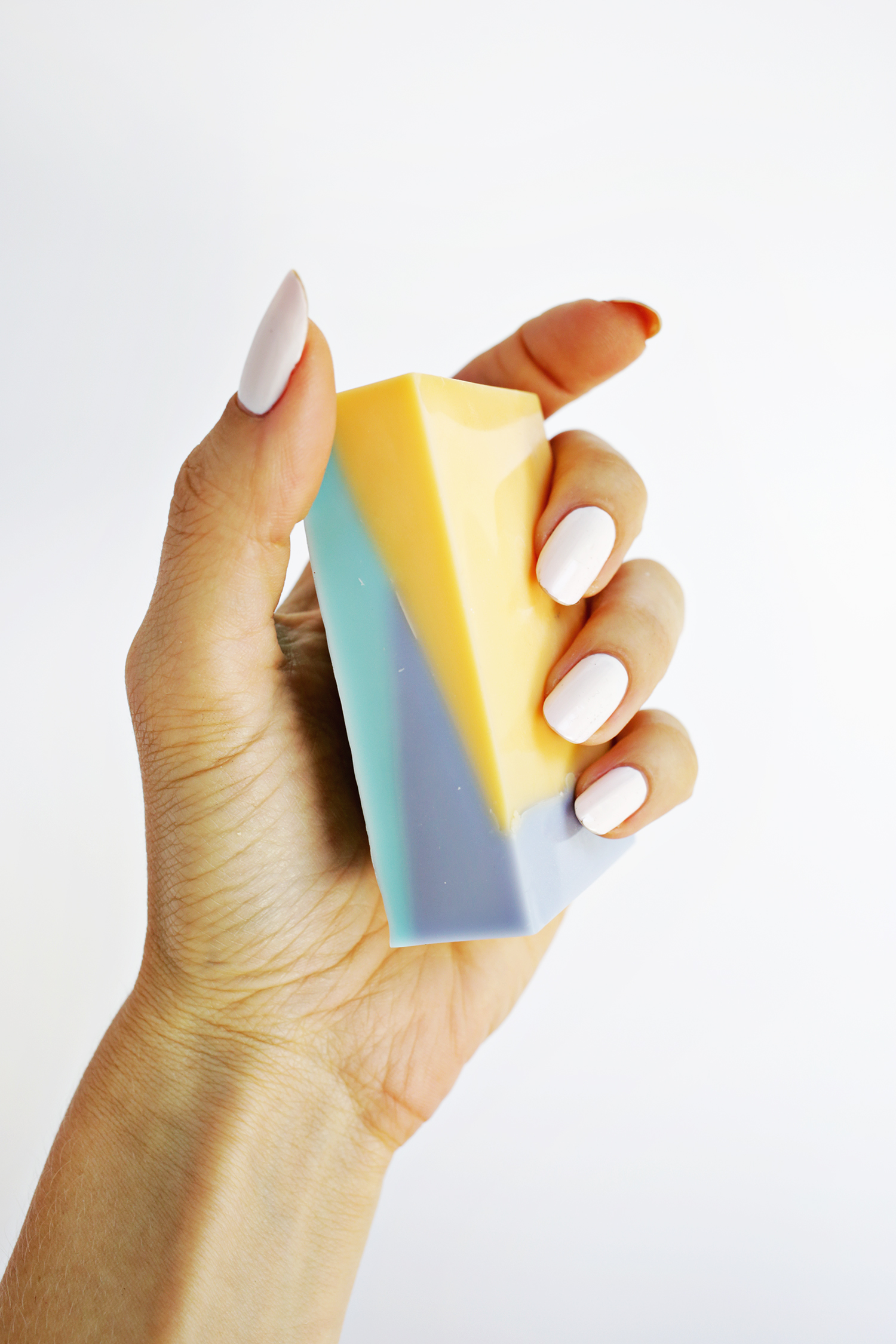 Color Blocked Soap DIY (click through for tutorial)