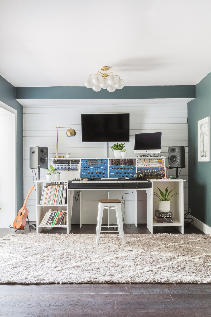 Jeremy Larson's Studio ©AlyssaRosenheck