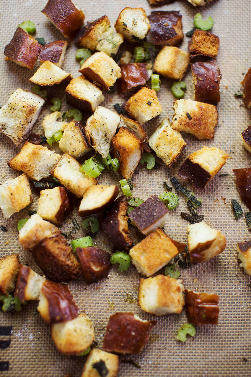Stuffing croutons