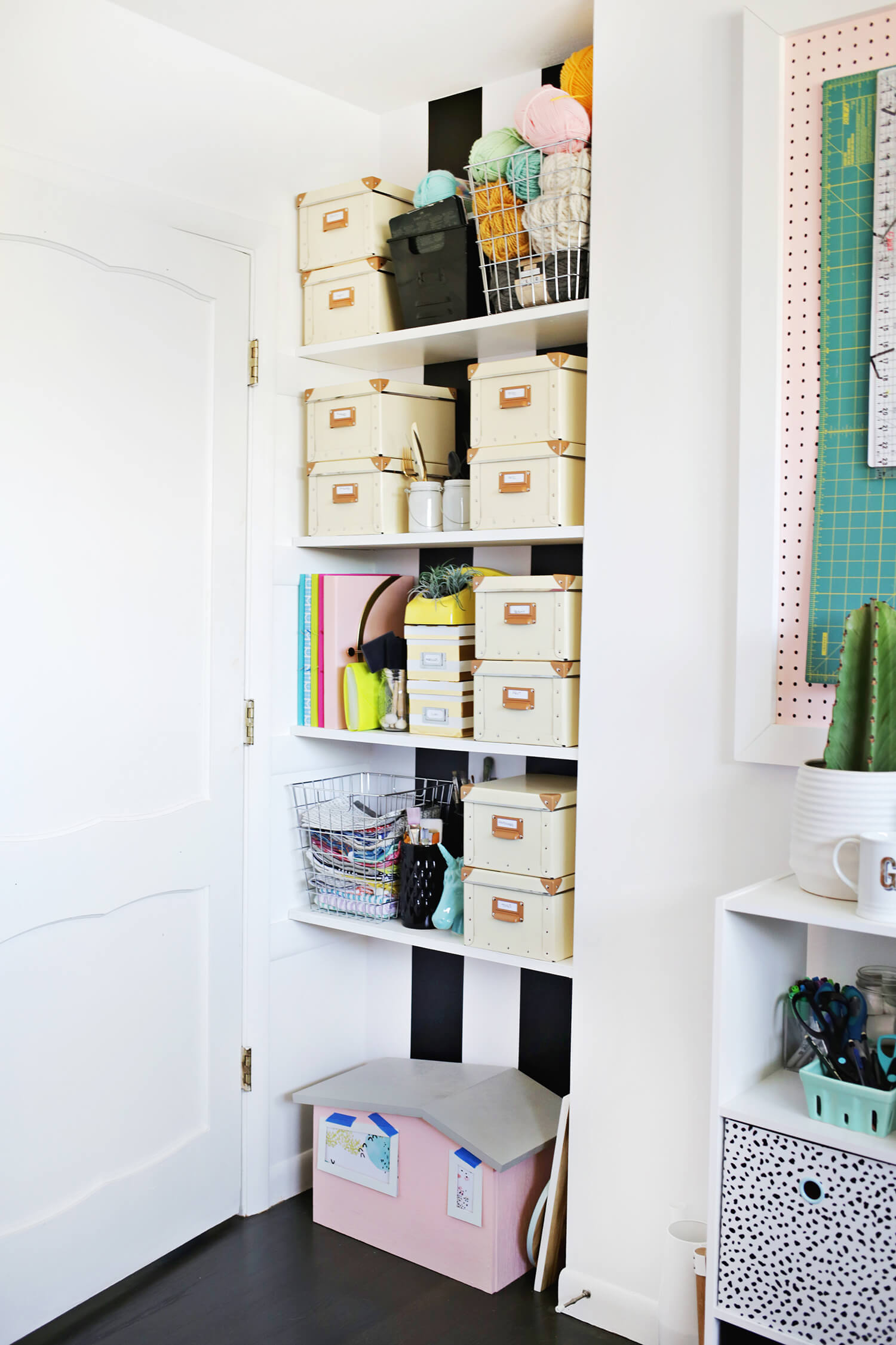 Tips for Organizing Your Craft Supplies (click through for more!)