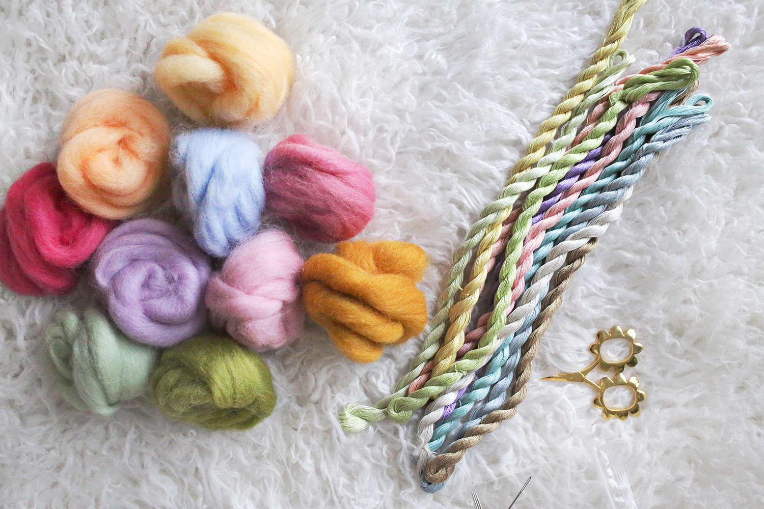 Rainbow Roving Pillow DIY