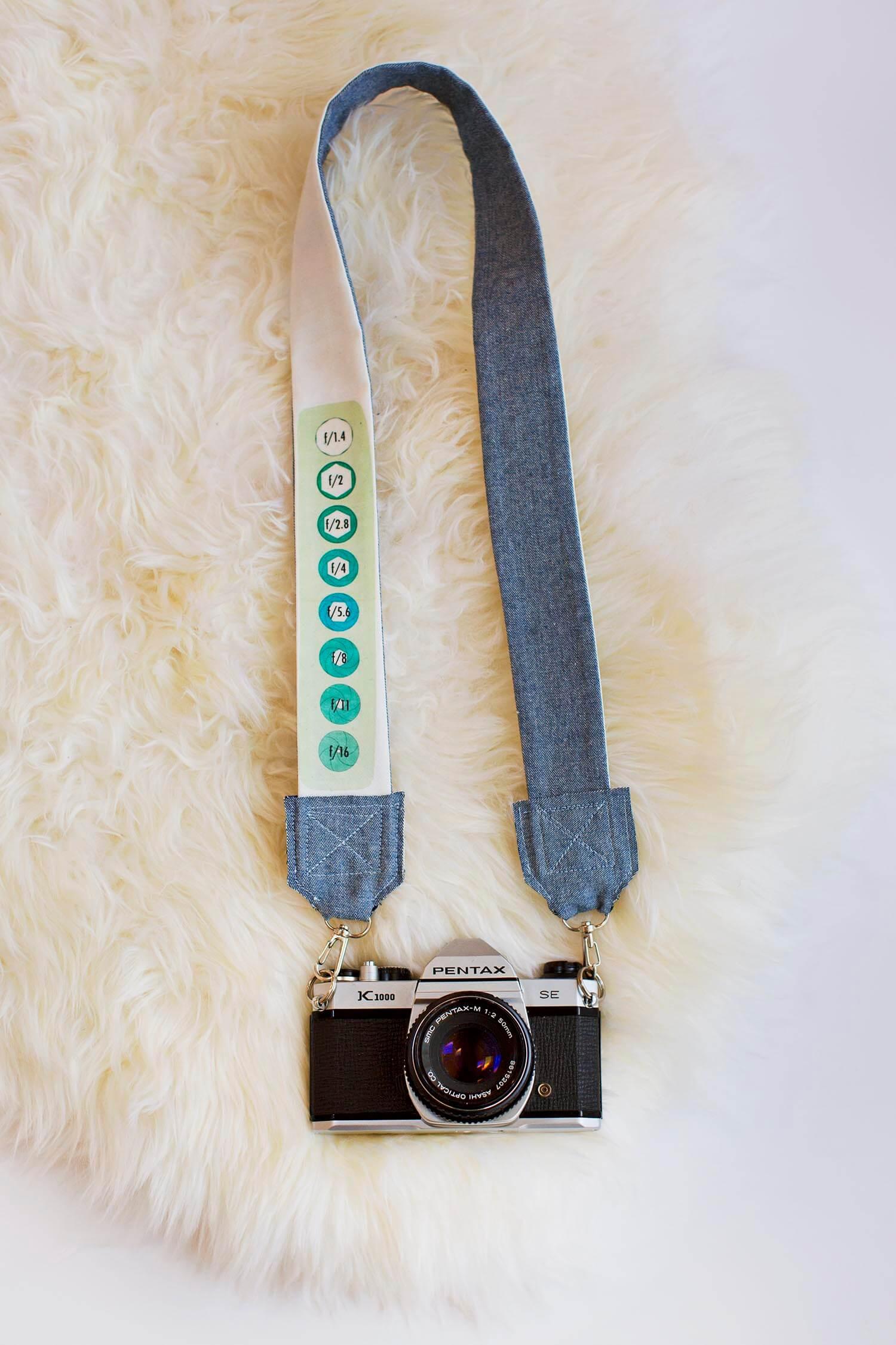 DIY Camera Strap (via abeautifulmess.com)