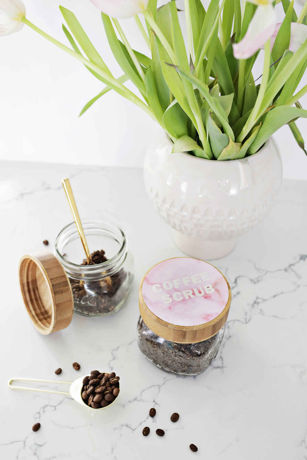 Vanilla Latte Coffee Scrub DIY (click through for tutorial)