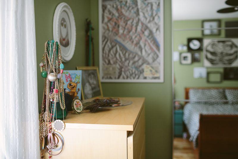 Green walls in the bedroom