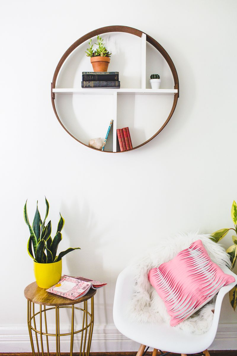 Hoop shelf (click to learn how easy it is to make)