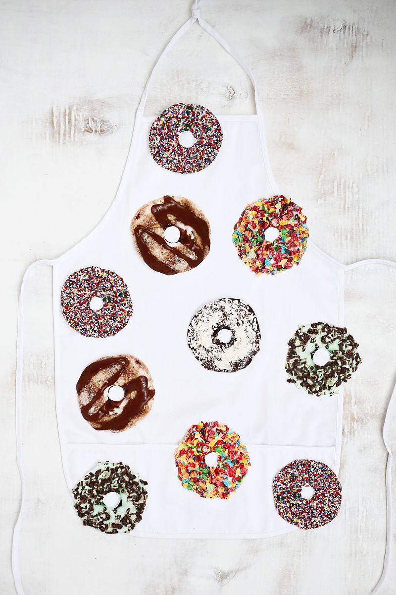 Love this! Donut apron DIY (click through for tutorial)
