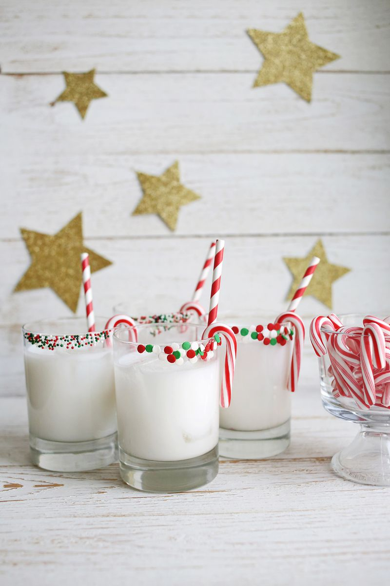 Peppermint Coconut Cocktail (SO good! Click through for the recipe)