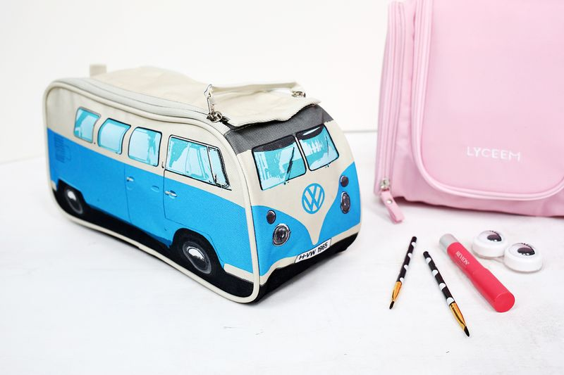 20 Things Every Traveling Gal Needs (click through for list!)