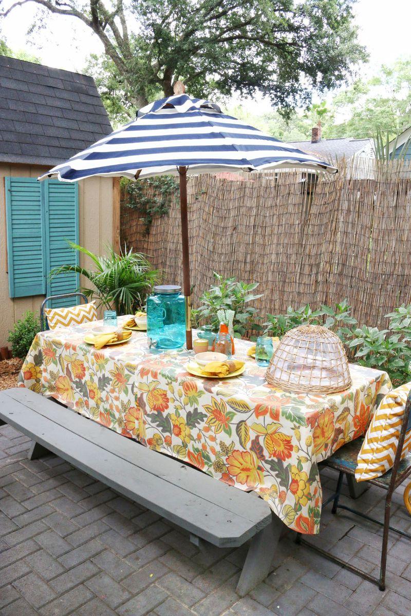 Love this table setup!