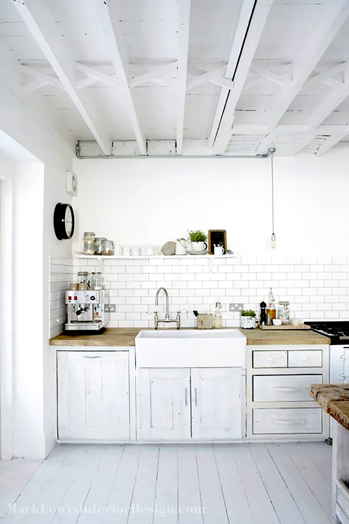 Offset subway tile