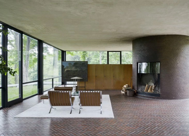 Philip-johnson's-glass-house