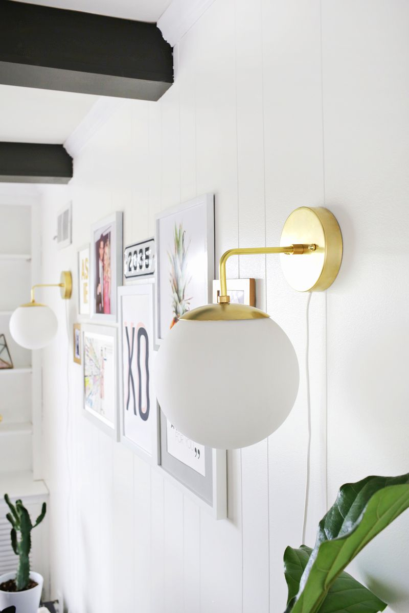 Make this beautiful brass globe sconce! (click through for tutorial)