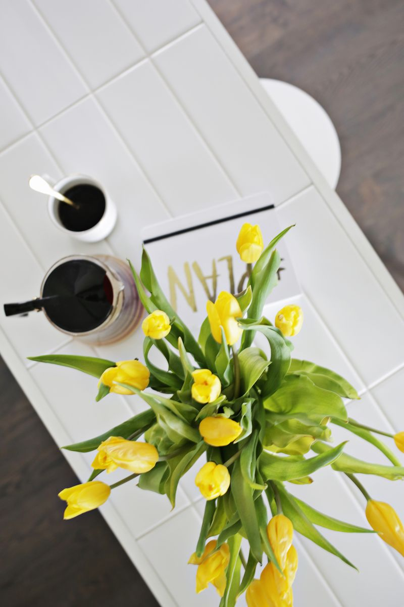 Tiled countertop DIY (click through for tutorial)
