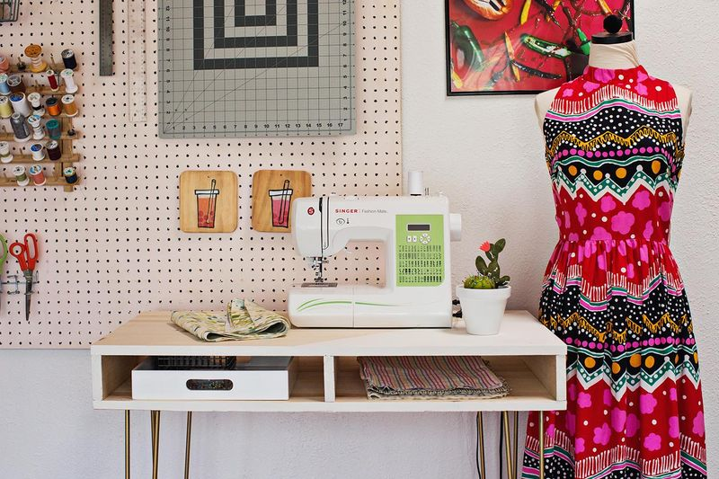 DIY sewing desk (via abeautifulmess.com)