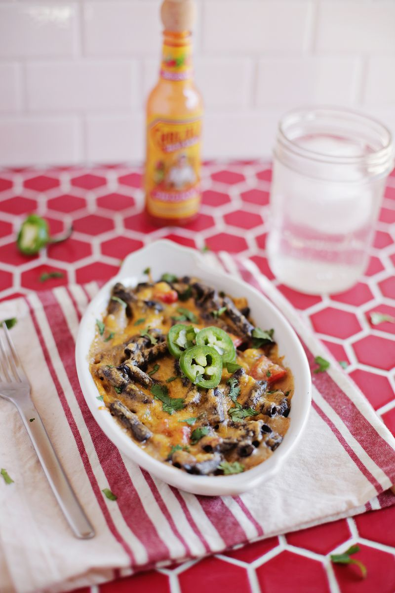 southwestern baked macaroni and cheese with black bean