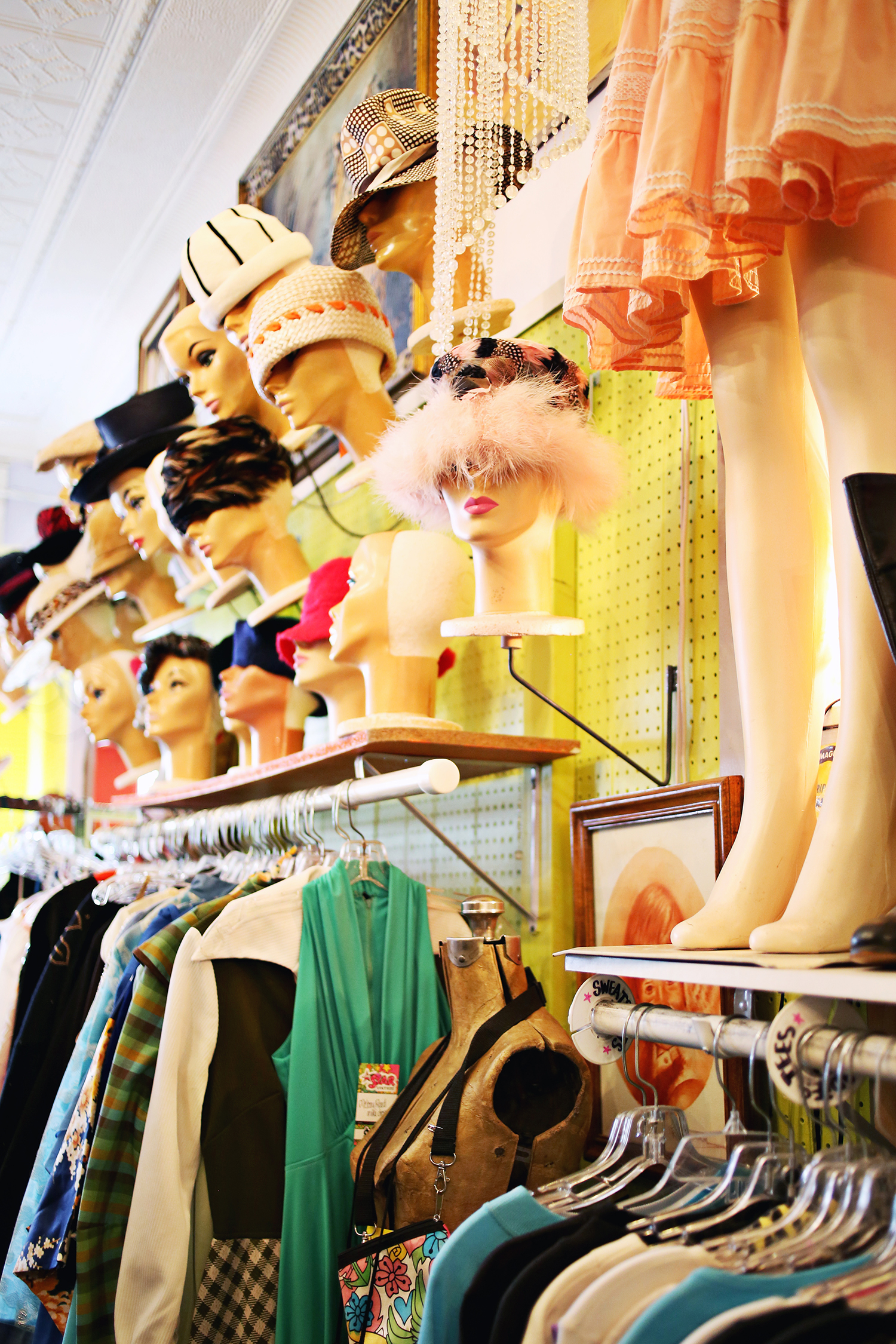 Tips for vintage shopping (click through for more!)