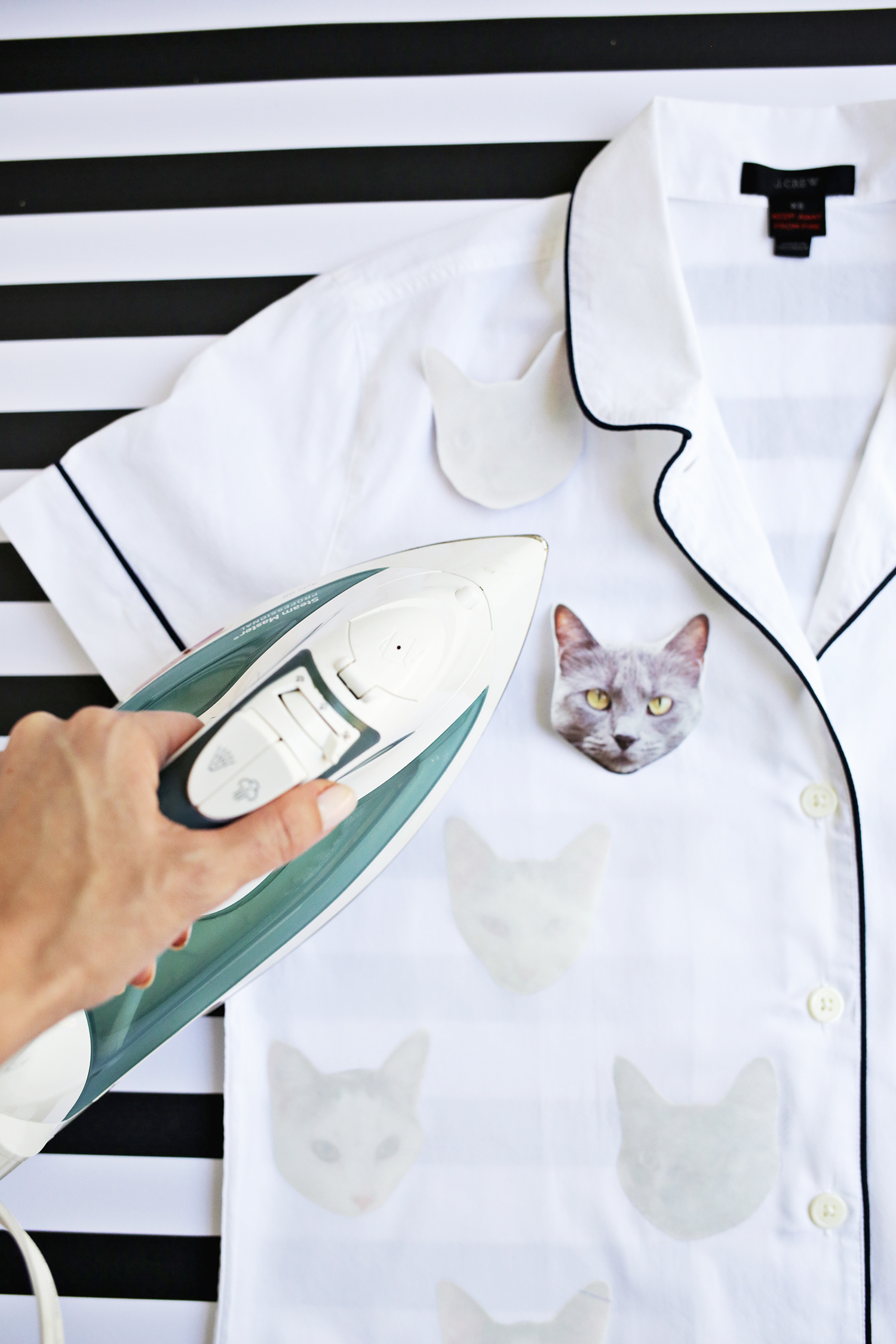 Make Your Own Pet Photo Pajamas! (click through for more!)