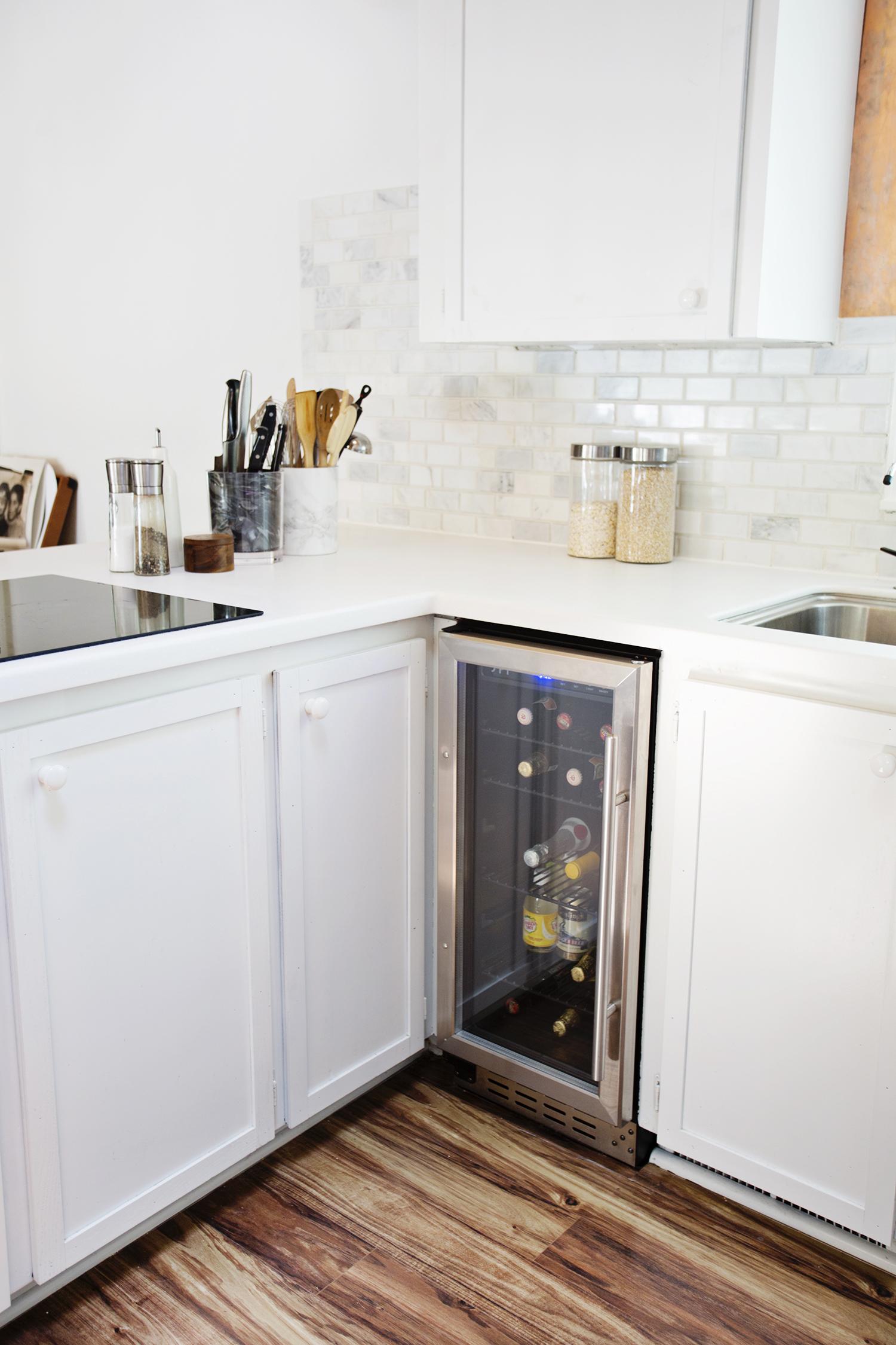 Wine and beer refrigerator