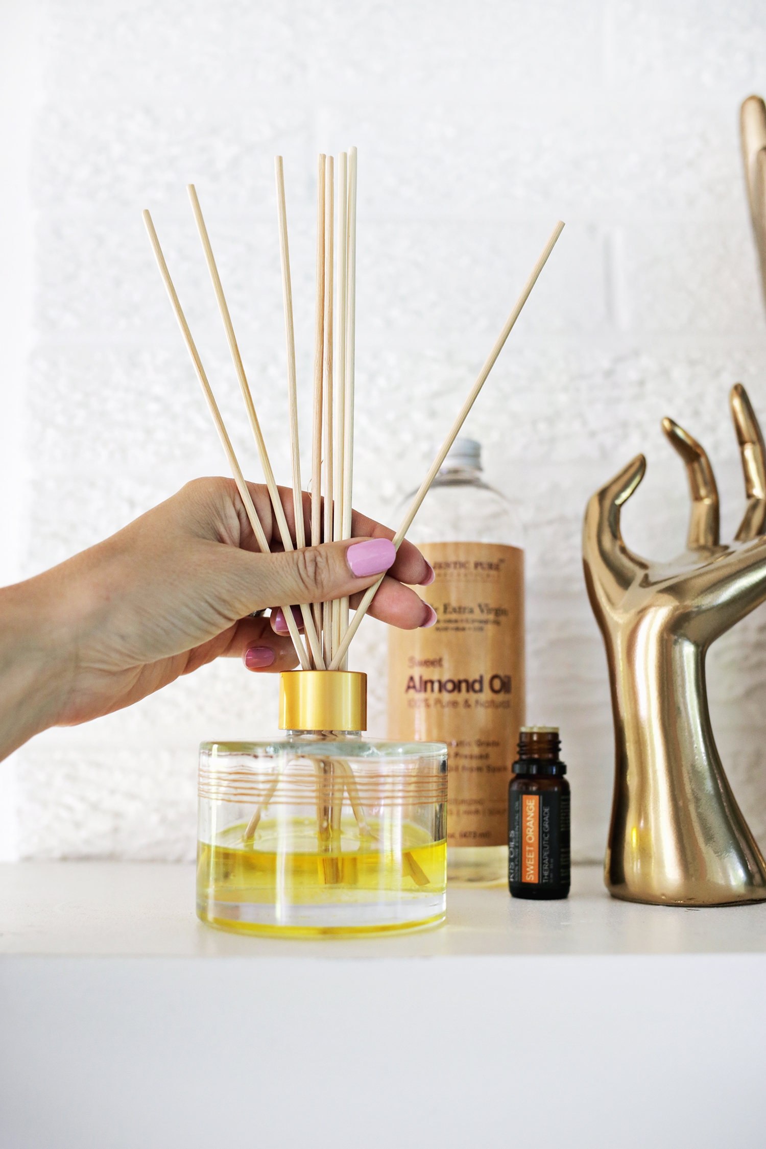How to make your own essential oils diffuser
