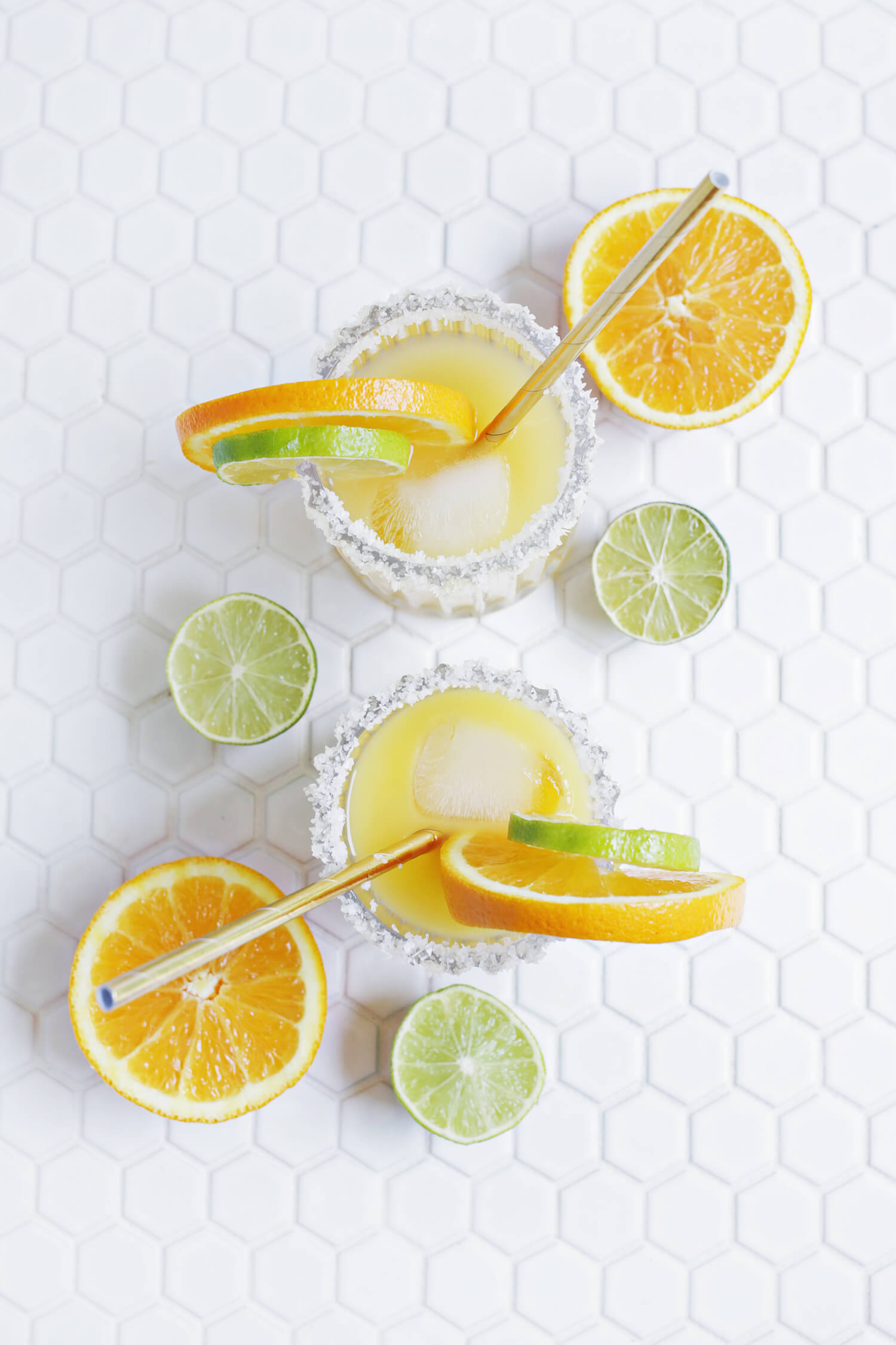 Perfect for summer! orange mango margarita (click through for recipe)