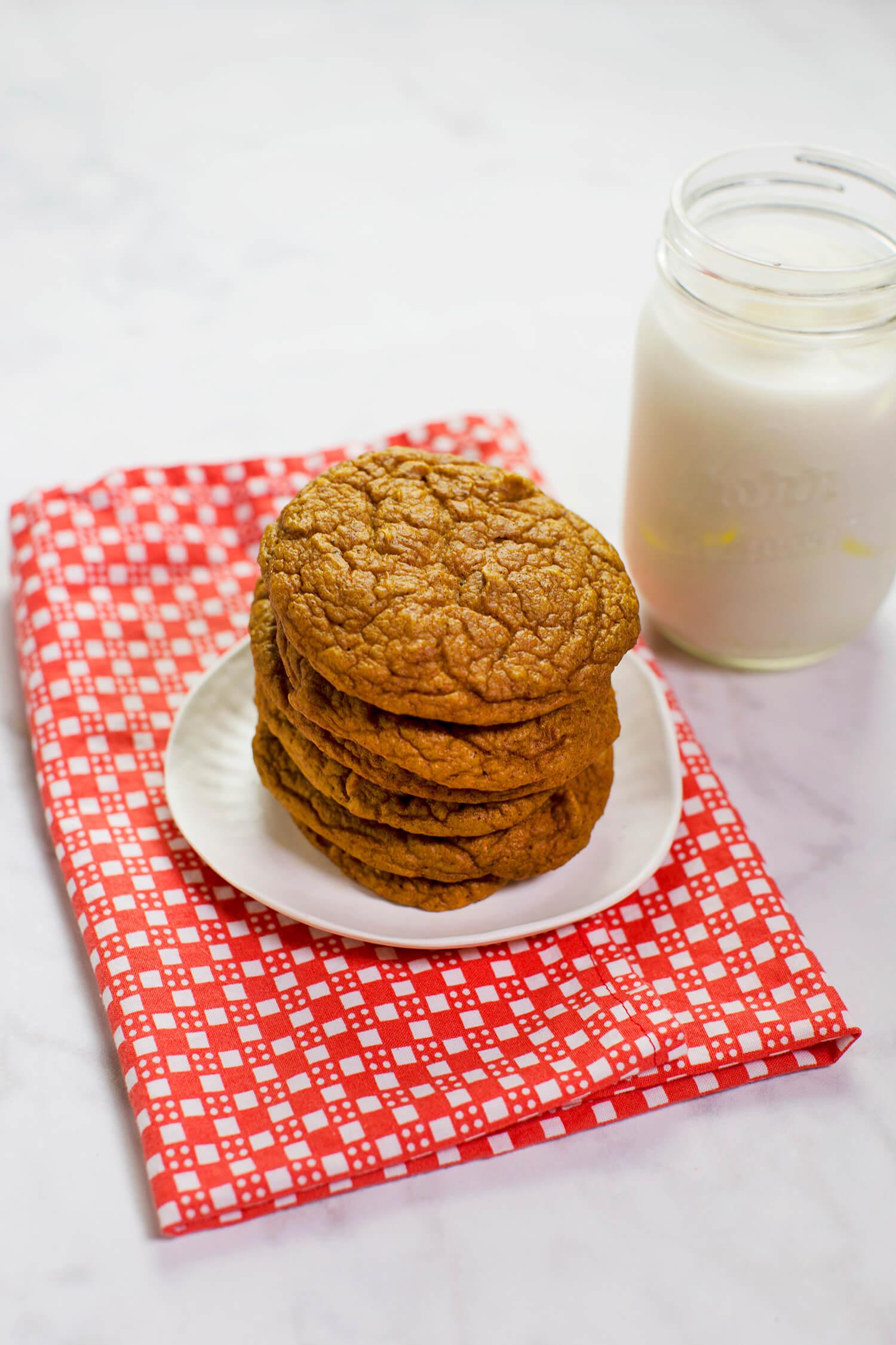 Gluten-free pumpkin blender cookies (via abeautifulmess.com)
