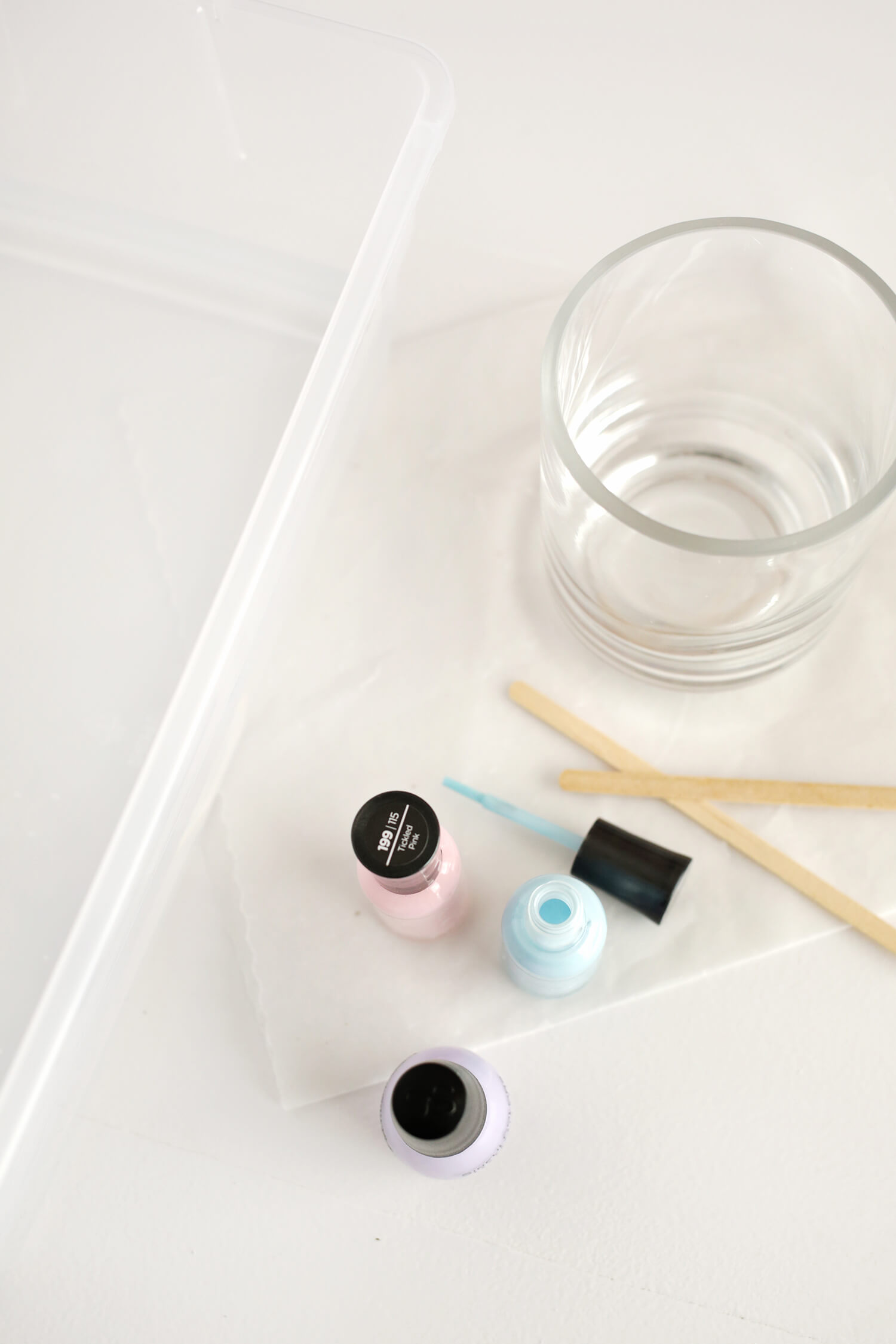 Marbled Votive DIY (click through for tutorial!)