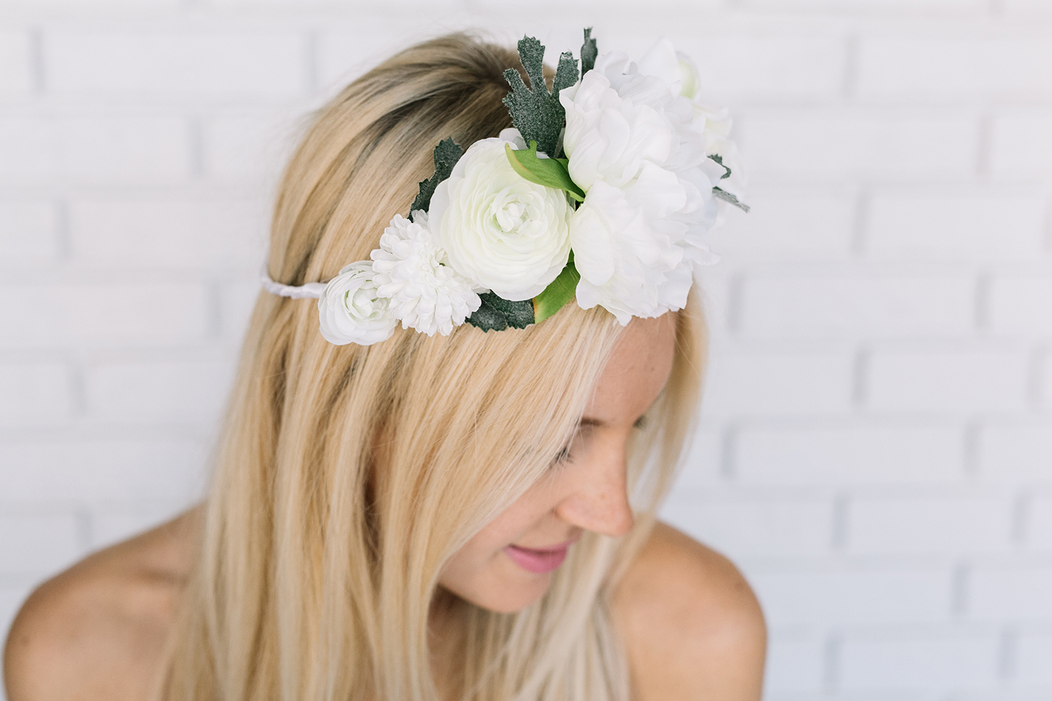 Flower crown DIY! (click through for tutorial)