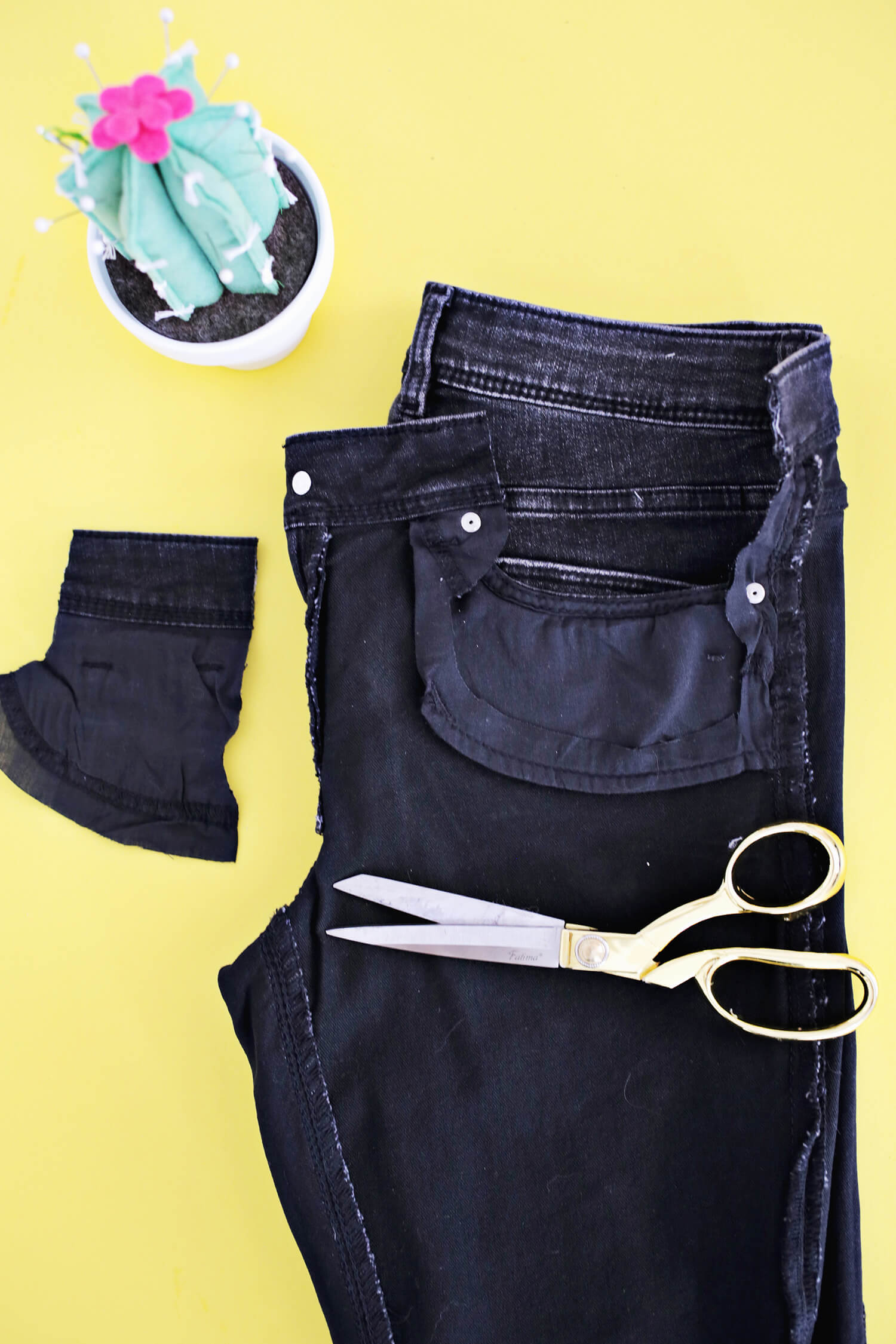 50e98ed14db Turn Your Pants Into Maternity Jeans With This Simple DIY (click through  for tutorial)