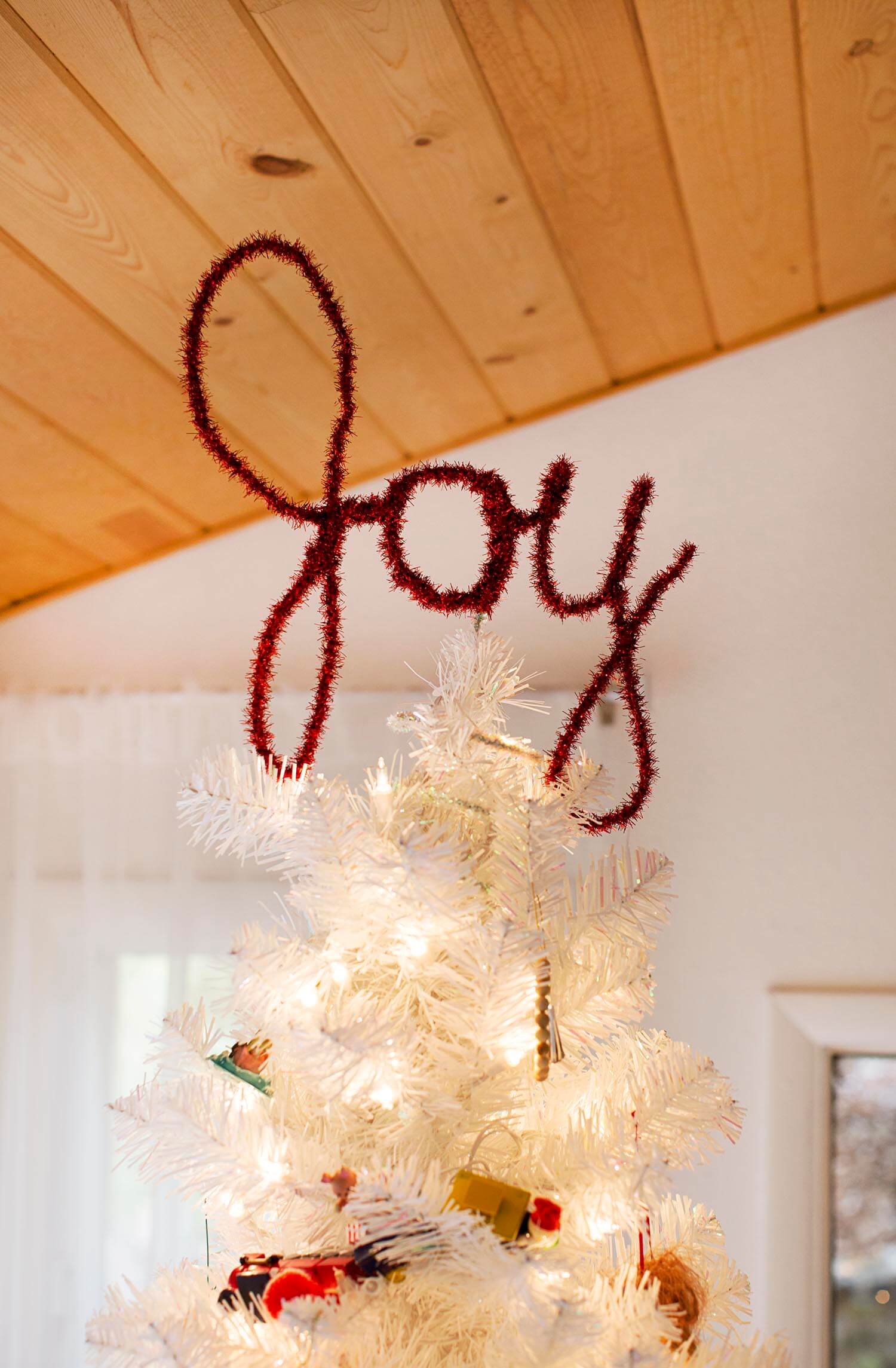 Easy DIY Christmas tree topper