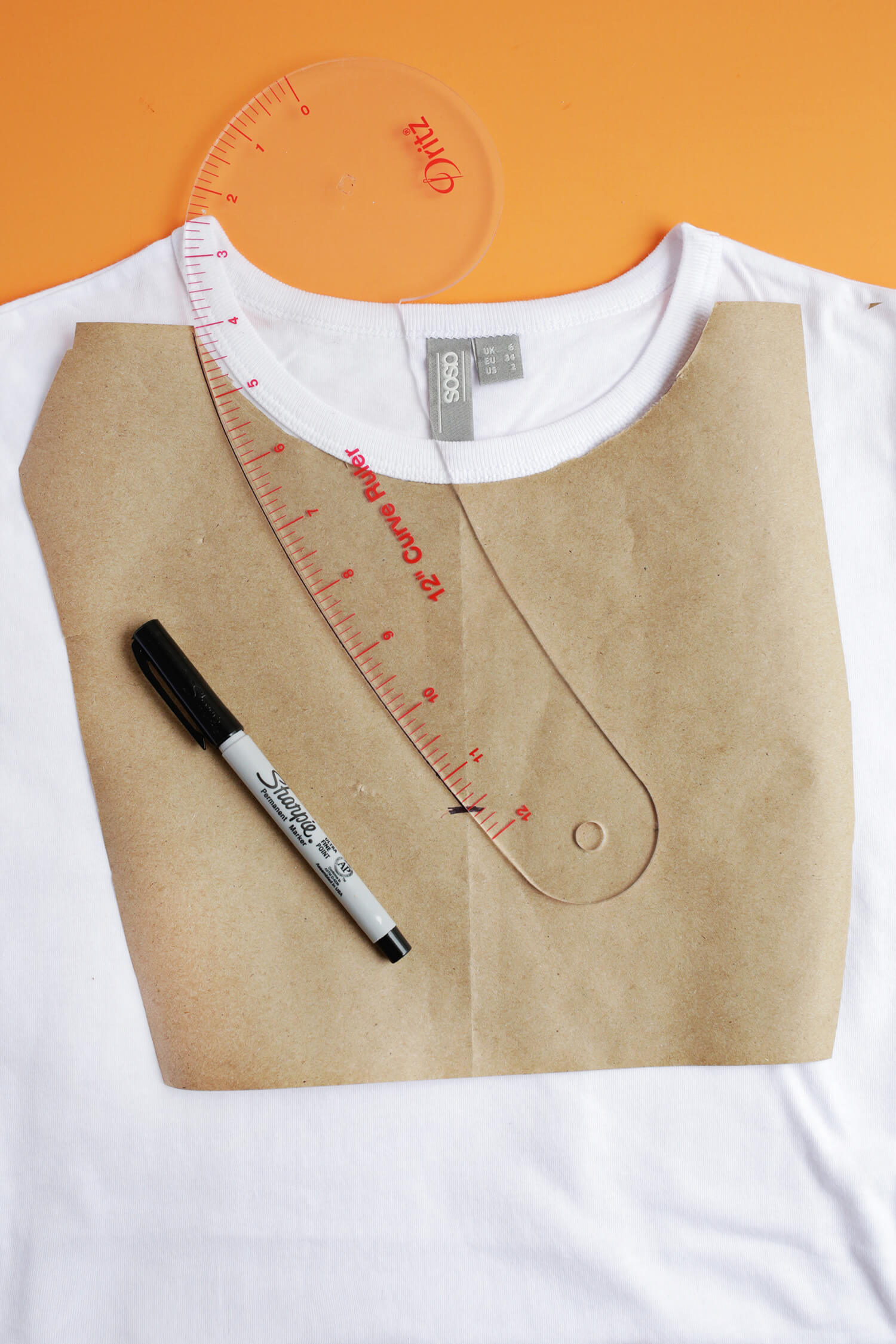 How to make a choker out of a shirt