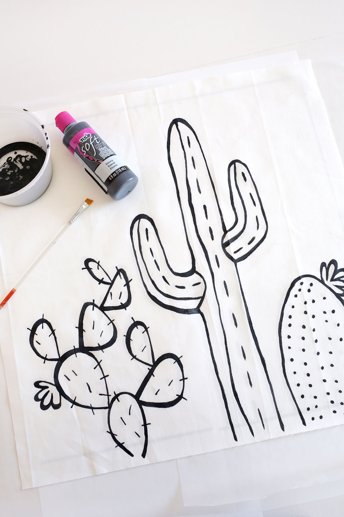 Cactus Outline Pillow DIY-template included! (click through for tutorial)