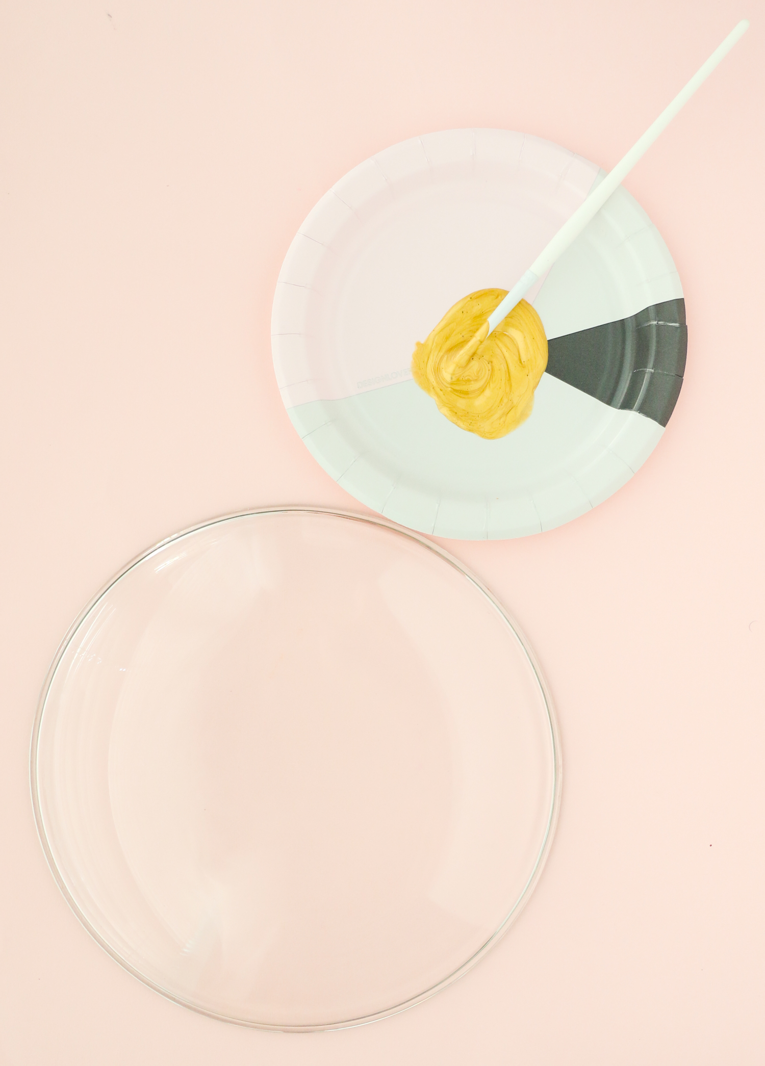 DIY Splatter Painted Plates (Click Through for Tutorial) _